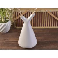 Wholesale White Empty Diffuser Bottles , Ceramic Essential Oil Diffuser With Rose & Sticks from china suppliers