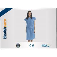 China Short Sleeve Disposable Isolation Gowns Non Woven Heavy Blue Medline Gowns Anti Permeate on sale
